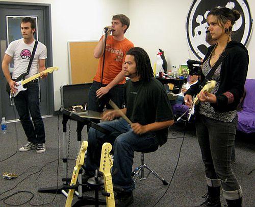 a rock band dobja össze uk hookup apps